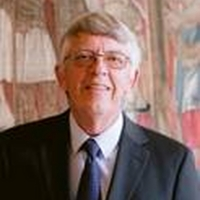 San Francisco Opera's Chorus Director Of 35 Years, Ian Robertson, Will Retire At Clos Photo