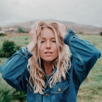 Hope Waidley Releases the Music Video for 'Stars' Photo