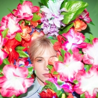 Hayley Williams Unveils PETALS FOR ARMOR II Photo