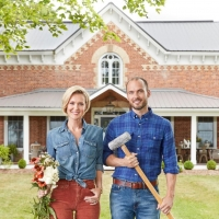 Sibling Reno Team Transforms Spectacular Vintage Spaces in New Series FARMHOUSE FACEL Photo