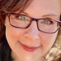 Mary Dimino Returns To Stapleton Waterfront Park