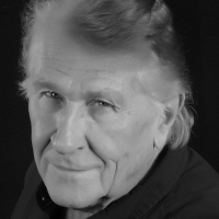 World-Renowned Opera Star, Sherrill Milnes, Unveils Online Opportunity for Artists Around Photo