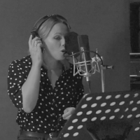 VIDEO: Kimberley Walsh Sings 'Outta My Hands' From SLEEPLESS Photo