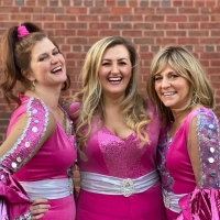 BWW Review: Matthews MAMMA MIA! Mixes Summer Romance and Autumn Regret
