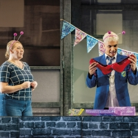 BWW Review: EVERYBODY'S TALKING ABOUT JAMIE, Apollo Theatre Photo