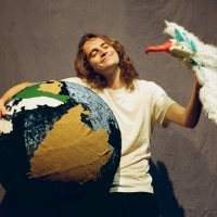 HOW TO HOLD THE WORLD Comes to The Drama Factory in October Photo