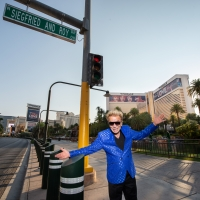 Road to The Mirage in Las Vegas Renamed 'Siegfried & Roy Drive' Photo