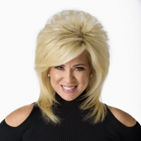 Theresa Caputo Live! The Experience Comes To The Duke Energy Center