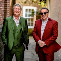 BWW INTERVIEWS: SQUEEZE'S CHRIS DIFFORD at Express Live Photo