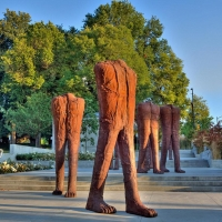 Arts on the Ave, Vancouver Biennale, and TELUS to Reveal WALKING FIGURES Photo