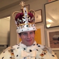 VIDEO: Jonathan Groff Dons His King George Costume for Invite to HAMILTON Fundraiser  Photo