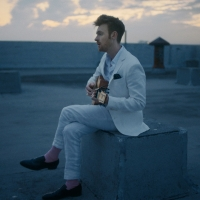 Finneas Reveals Music Video For Single 'Let's Fall In Love For The Night' Photo