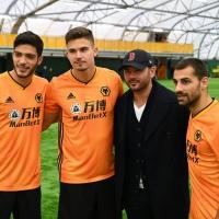 Panto Star Ryan Thomas Visits the Wolverhampton Wanderers