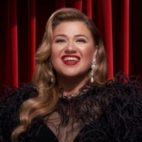 Kelly Clarkson Releases New Christmas Album Featuring Ariana Grande Photo
