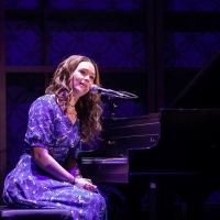 BWW Review: BEAUTIFUL: THE CAROLE KING MUSICAL, Bristol Hippodrome