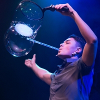 BWW Review: GAZILLION BUBBLE SHOW Is Fun For The Whole Family