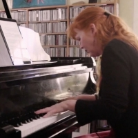 Arium TV's AT HOME WITH SARAH CAHILL Features Rare Works From Two Great Women Compose Photo