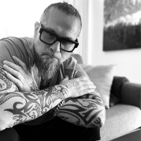 Listen: LITTLE KNOWN FACTS with Ilana Levine and Special Guest, Kurt Sutter Photo
