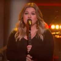 VIDEO: Kelly Clarkson Covers 'Gaslighter' Photo
