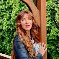 Country Artist And Guinness World Record Joy Chapman Releases 'Could've Been Yes' Photo