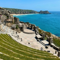 Stephen Tompkinson Leads EDUCATING RITA at Minack Theatre, Cornwall This August Photo