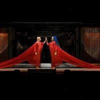 BWW Review: Bring on the Jugglers, Philip Glass's AKHNATEN Finally Arrives at the Met