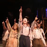 BWW Review: Nashville Rep's 35th Season Celebration Kicks Off With Astonishing URINET Photo