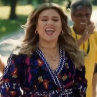 VIDEO: Kristin Chenoweth, Aaron Tveit, & More Join Kelly Clarkson in New 'Kellyoke' M Photo