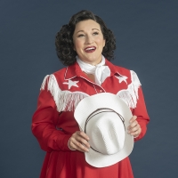 BWW Review: SULTRY TONES, COMEDIC TIMING, AND CLASSIC COUNTRY MAKE FOR A SHOW-STOPPIN Photo