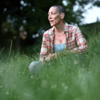 BWW Review: IN THE MIDDLE OF THE FIELDS at Solas Nua Photo