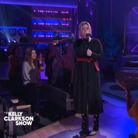VIDEO: Kelly Clarkson Covers 'Some Guys Have All The Luck' Photo