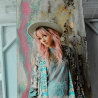 Lindsey Stirling Releases Official Music Video For 'Masquerade' Photo