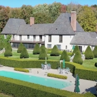 Fran and Barry Weissler Are Selling Their $13.2 Million Estate Photo