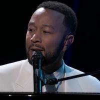 VIDEO: John Legend Performs 'Never Break' at the BILLBOARD MUSIC AWARDS Photo