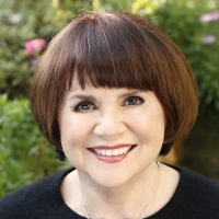 Linda Ronstadt to Publish New Book FEELS LIKE HOME: A SONG FOR THE SONORAN BORDERLANDS Photo