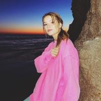 Rosie Darling Shares Latest Single 'Heavy' Photo