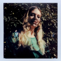 VIDEO: Lia Ices Shares New Video 'Earthy' Photo