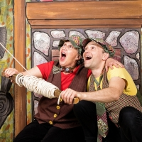 Wild Swan Announces FROG AND TOAD Photo