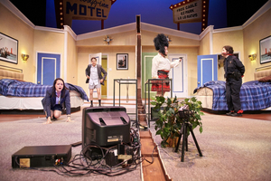BWW Review: UNNECESSARY FARCE Wins Slapstick Laughs at Milwaukee Chamber Theatre