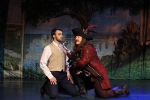 BWW Review: FINDING NEVERLAND at Dutch Apple Dinner Theatre