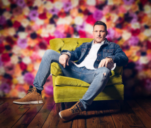 Ty Herndon Releases Album 'Got it Covered' With New Video for 'So Small'
