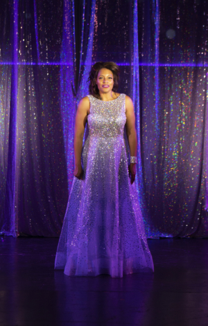 BWW Review: BODYGUARD THE MUSICAL Blows the Roof Off Candlelight Pavilion