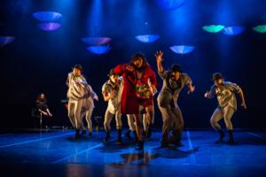 La coreografía Desde el caparazón de la tortuga invita al público infantil a reflexionar sobre el valor del tiempo