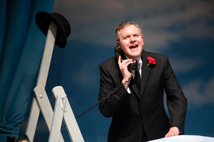 BWW Review: THE LIFE I LEAD, Wyndham's Theatre
