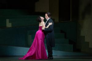 BWW Review: The Met's MANON a Showcase for the Charms of Tucker Award-Winner Lisette Oropesa