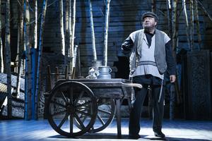 BWW Review: SPILLEMAND PÅ EN TAGRYG at Det Ny Teater