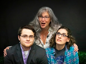 BWW Review: MOM'S GIFT at Ankeny Community Theatre: A Beautifully Wrapped Evening of Entertainment