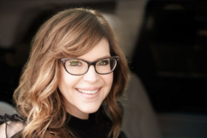 Lisa Loeb to perform at Feinstein's at the Nikko
