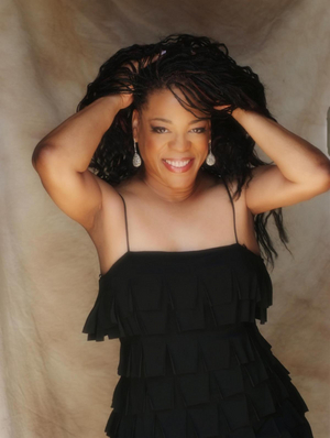BWW Feature: EVELYN CHAMPAGNE KING Will Headline Halloween Palm Springs