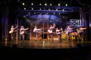BWW Review: NEWSIES Is a Triumph at Candlelight Pavilion